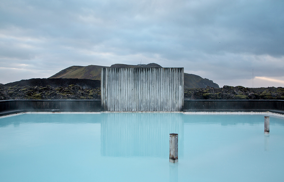 Travel bug tuesday iceland 39 s blue lagoon for Blue lagoon hotels iceland