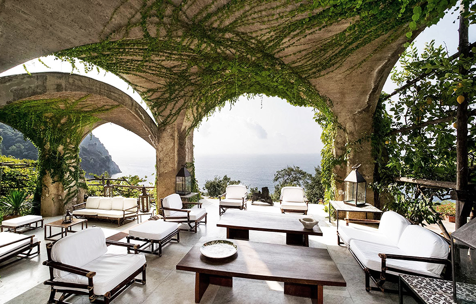 amalfi sitting area